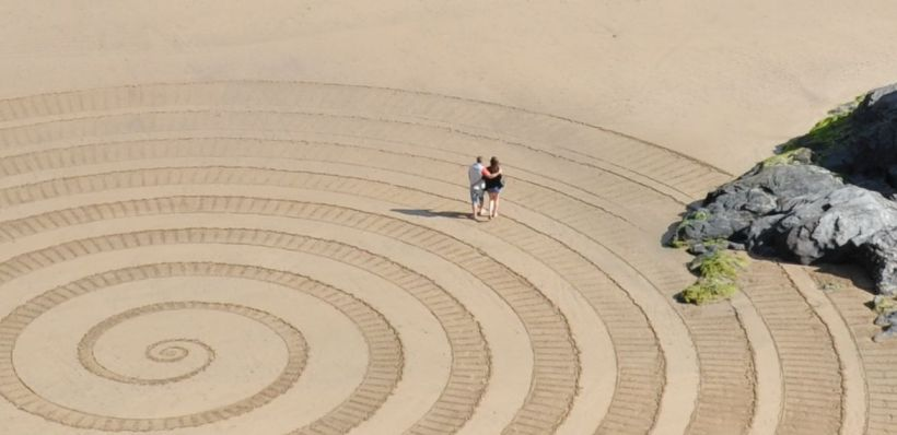 Sprial-Sand-Raking--with-People